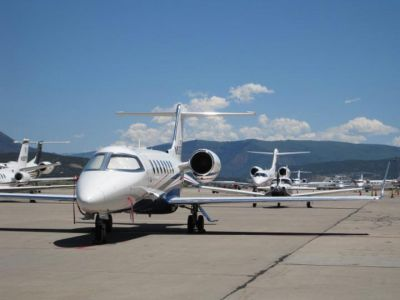 Airport Service Stagecoach Limo full service to Denver Airport and lines of private aircraft